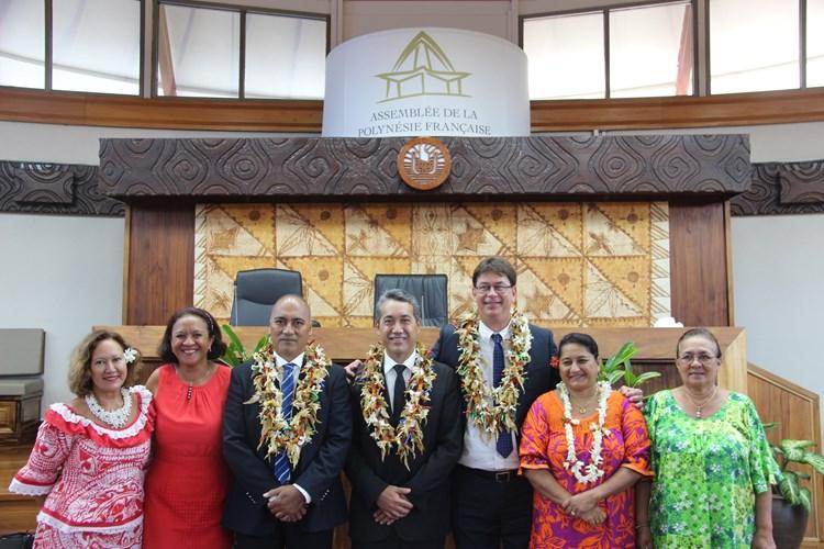 Visite officielle de M. SANTA, président du congrès de Nouvelle-Calédonie et de M. KULIMOETOKE, président de l'assemblée territoriale de Wallis et Futuna, pour l'adhésion à la convention de partenariat du 5 décembre 2013