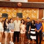 Une équipe de tournage de Hong-Kong en repérage à l'assemblée de la Polynésie française