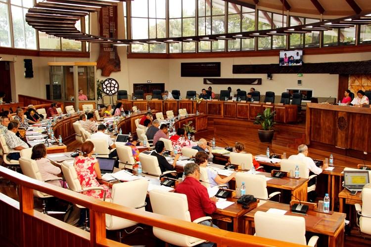 8 lois du pays, 11 délibérations, 2 avis et 1 acte de délégation adoptés lors de la 8e séance de la session budgétaire du jeudi 14 décembre 2017