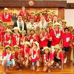 Des élèves de l'école Arikitamiro de Makemo découvrent l'assemblée de la Polynésie française