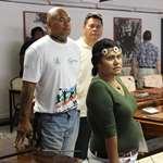 Six stagiaires du centre de formation Activ'Result en visite à l'assemblée de la Polynésie française