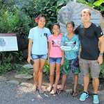 3 élèves du collège de Atuona qualifiés pour les championnats de Polynésie de cross scolaire en visite à l'assemblée