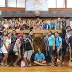 30 élèves du collège de Rikitea qui participent au Heiva Taure'a en visite à l'assemblée