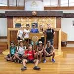 10 élèves du collège de Rurutu qualifiés pour les finales de sport collectif en visite à l'assemblée