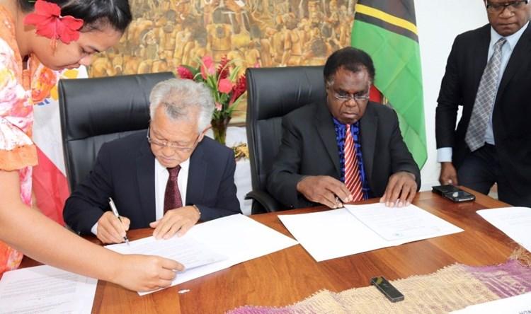 Signature du programme de coopération 2019-2020 entre l'assemblée de la Polynésie française et le Parlement de la République du Vanuatu