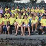 Une classe de l'école primaire Mairipehe visite les jardins de la Reine Pomare