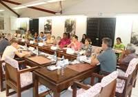 Le projet de loi du pays portant dispositif d'aide pour la prise en charge des dépenses d'acheminement des quotidiens édités et imprimés à Tahiti à destination des îles de Polynésie française étudié en commission de l'économie