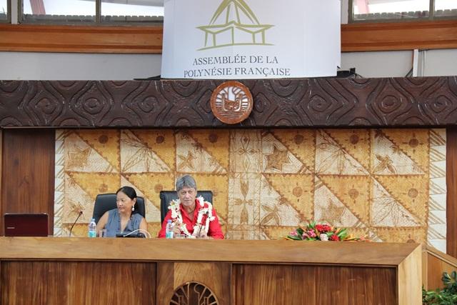 Quatre textes adoptés lors de la séance de la commission permanente de l'assemblée.