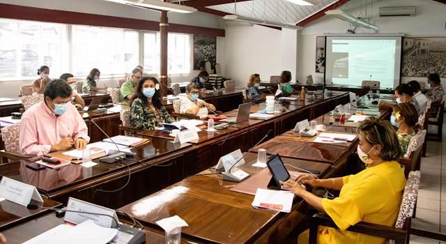 Présentation du plan de relance 2021-2023 et examen de trois projets de texte lors de la commission de l'économie
