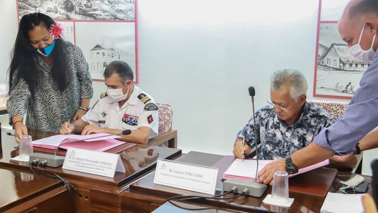 Signature d'une convention de partenariat entre le RSMA et l'assemblée de la Polynésie française