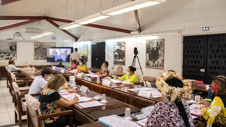 Onze comptes financiers étudiés par la commission de l'éducation
