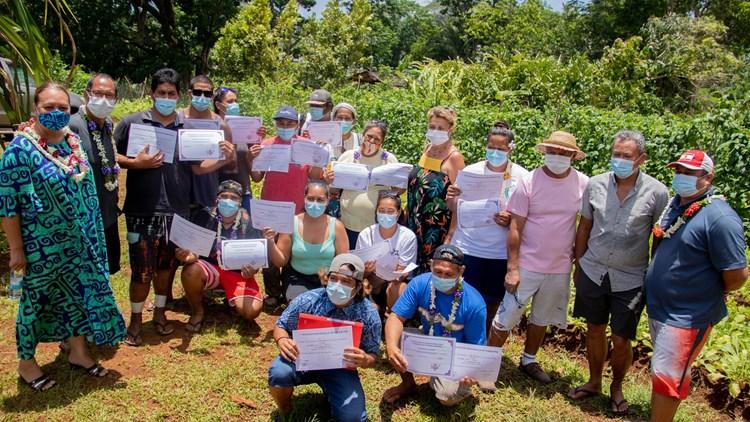 La première vice présidente de l'assemblée de la Polynésie française participe à la remise des attestations aux stagiaires du projet «MA'A HOTU»