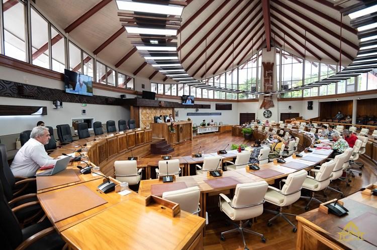 Vingt deux textes adoptés en commission permanente